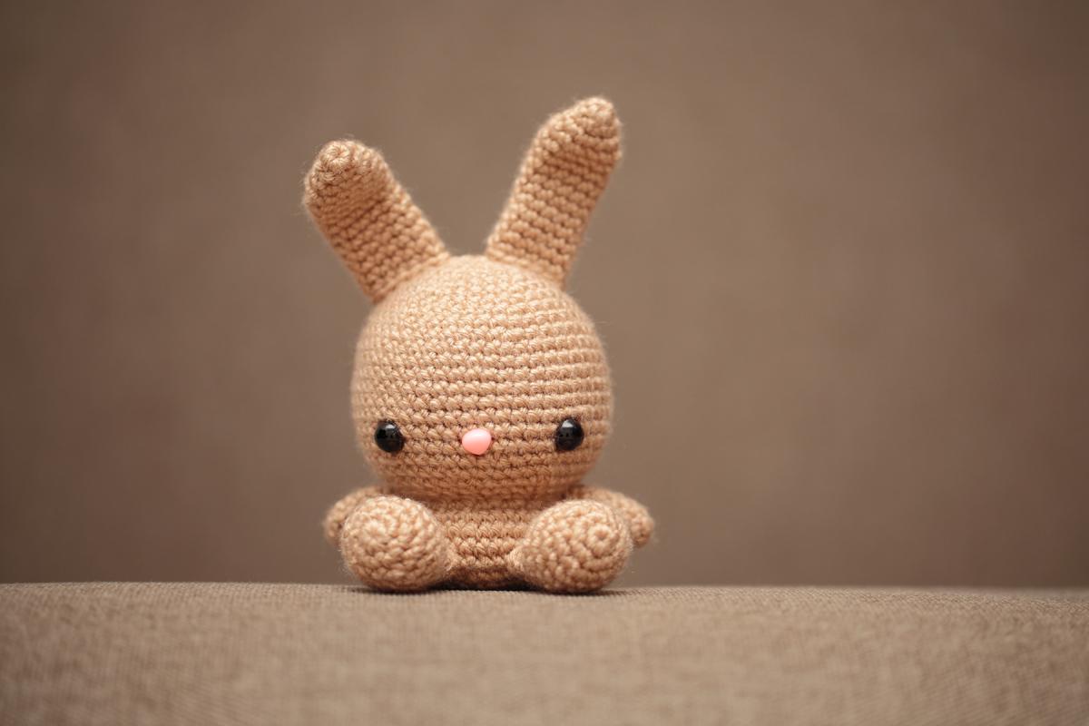 Sleepy Bunny Lovey - Free Crochet Pattern | 800x1200